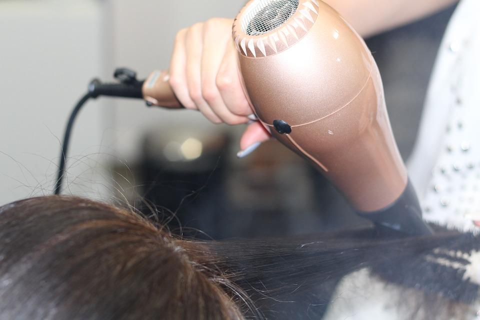 Bien se préparer le matin pour son rituel coiffure