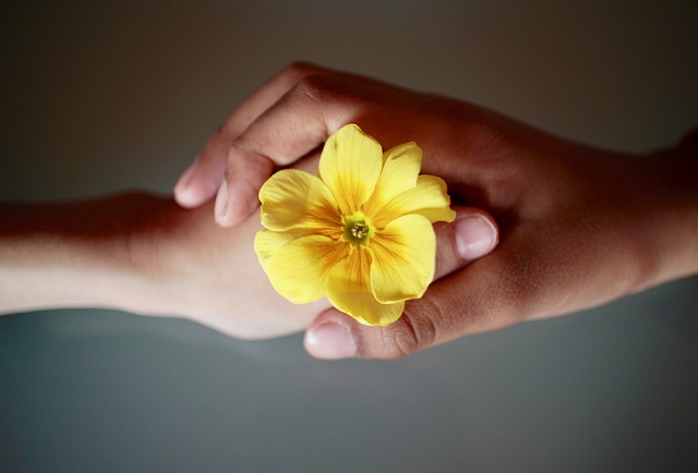 Pourquoi est-il important d'entretenir une bonne relation avec les autres ?